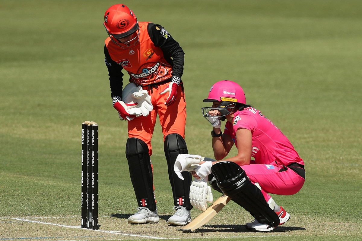 WBBL 2020: Sydney Sixers' Marizanne Kapp Retires Hurt Because Of Elevated Heart Rate During Game Against Perth Scorchers