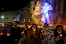 Hindus in Pakistan Celebrate Diwali Following COVID-19 Guidelines