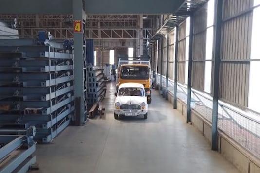 HM Ambassador Pulls Truck. (Image source: YouTube/ He-Man Auto Robopark)