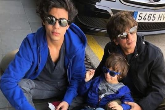 Shah Rukh Khan Poses with Sons Aryan Khan and AbRam Khan in This Throwback Pic