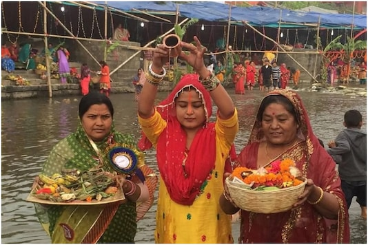 Guideline has been amended and now devotees are allowed to hold Chhath puja on the banks of all types of waterbodies outside Containment Zones.