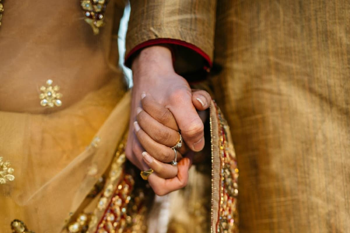 Can Live on Own Terms': Amid UP's Arrest Spree Under 'Love Jihad' Law, HC  Reunites Interfaith Couple