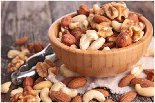 Improving Diet, Fighting Anemia and Other Benefits of Having Dried Fruits