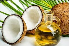 5 Ways Coconut Oil Can Benefit Your Hair Health