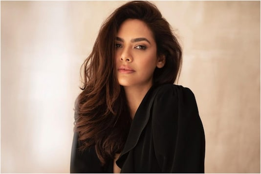 Happy Birthday Esha Gupta: Five Times the Actress Stunned Fans with Gorgeous Social Media Posts