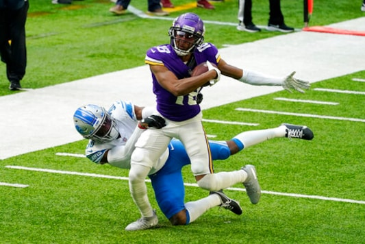 Cook, Vikes Top Lions 34-20; Stafford In Concussion Protocol