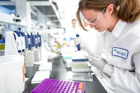 FDA Panel Reviews 1st New Alzheimer's Drug In 2 Decades