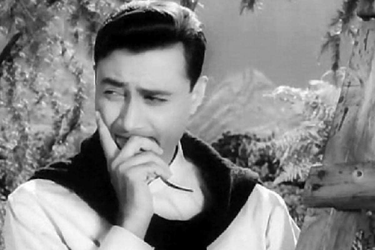 Remembering Dev Anand's Best Solo Songs on His Death Anniversary