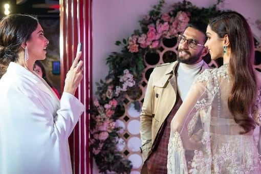Deepika Padukone Takes Picture of Ranveer Singh with Her Wax Statue in This Throwback Snap