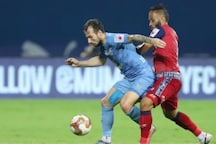 ISL 2020-21: Table-toppers Mumbai City FC Held to 1-1 Draw by 10-man Jamshedpur FC
