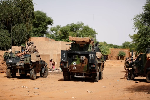 File photo of French soldiers patrolling in Mali. (REUTERS/Benoit Tessier)