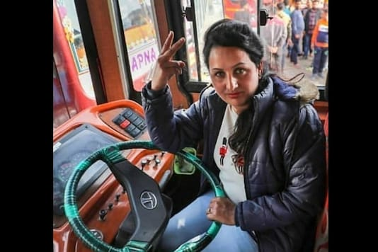 Pooja Devi. hails from district Kathua in Jammu & Kashmir and is the first women bus driver in the UT. (Credit: Dr Jitendra Singh @DrJitendraSingh)