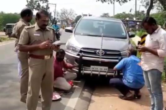 TN Police fining cars with bull bars. (Image source: YouTube/Sagar Patel)