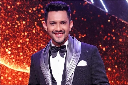 Indian Idol 12: Aditya Narayan Performs 'Rangeela re' for Jackie Shroff