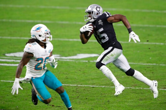 Dolphins Stun Raiders 26-25 To Move Step Closer To Playoffs