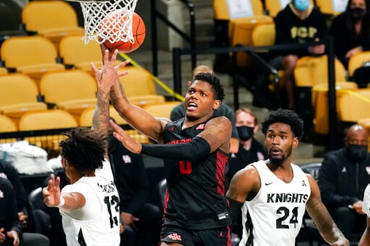 Marcus Sasser, Caleb Mills Lead No. 6 Houston Past UCF 63-54
