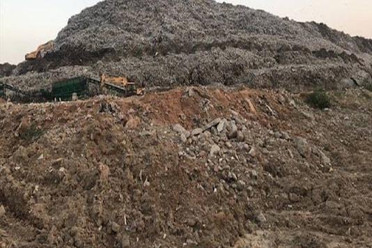 Photo of 42 metre high mountain of waste at Gurugram garbage plant. (Image: IANS)