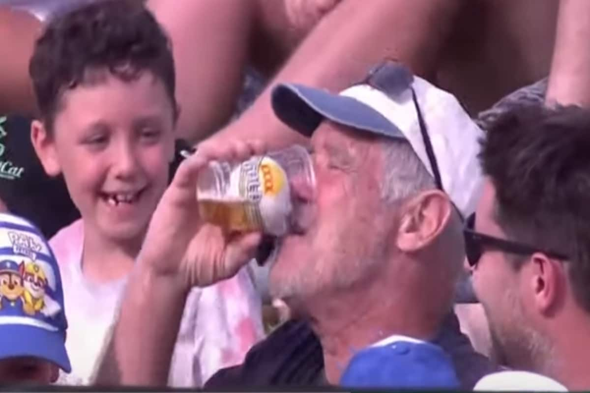 BBL 2020: WATCH - Dawid Malan's Sixer Lands in Beer Mug, Fan Refuses to Return Ball
