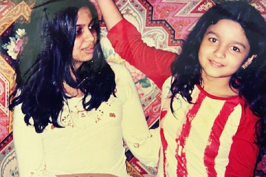Shaheen and Alia Bhatt are Adorable Kids in This Throwback Snap Shared By Mom Soni Razdan