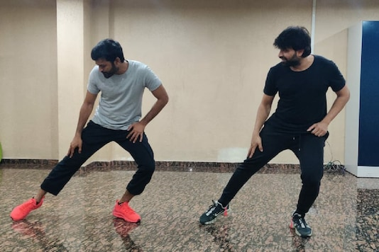 Dhanush Preps For D43's New Dance Number, Touted to Be 'Super Crazy'