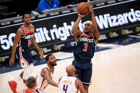 Bradley Beal shoots (Photo Credit: AP)