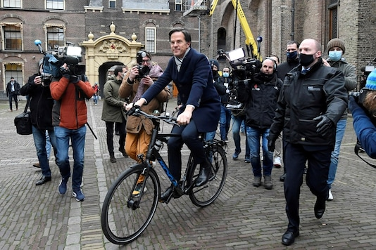 Dutch Prime Minister Mark Rutte leaves the Parliament building, amid the coronavirus disease (COVID-19) lockdown, in The Hague, Netherlands January 15, 2021. REUTERS/Piroschka van de Wouw