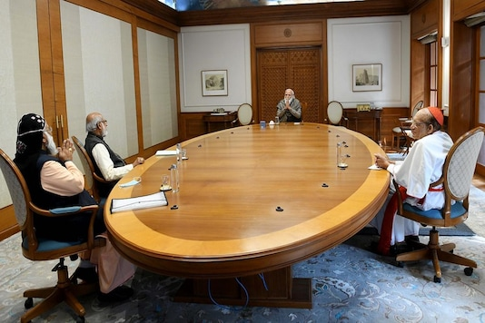 PM Narendra Modi interacts with three cardinals of Catholic Church. (Image credit: Twitter@narendramodi)