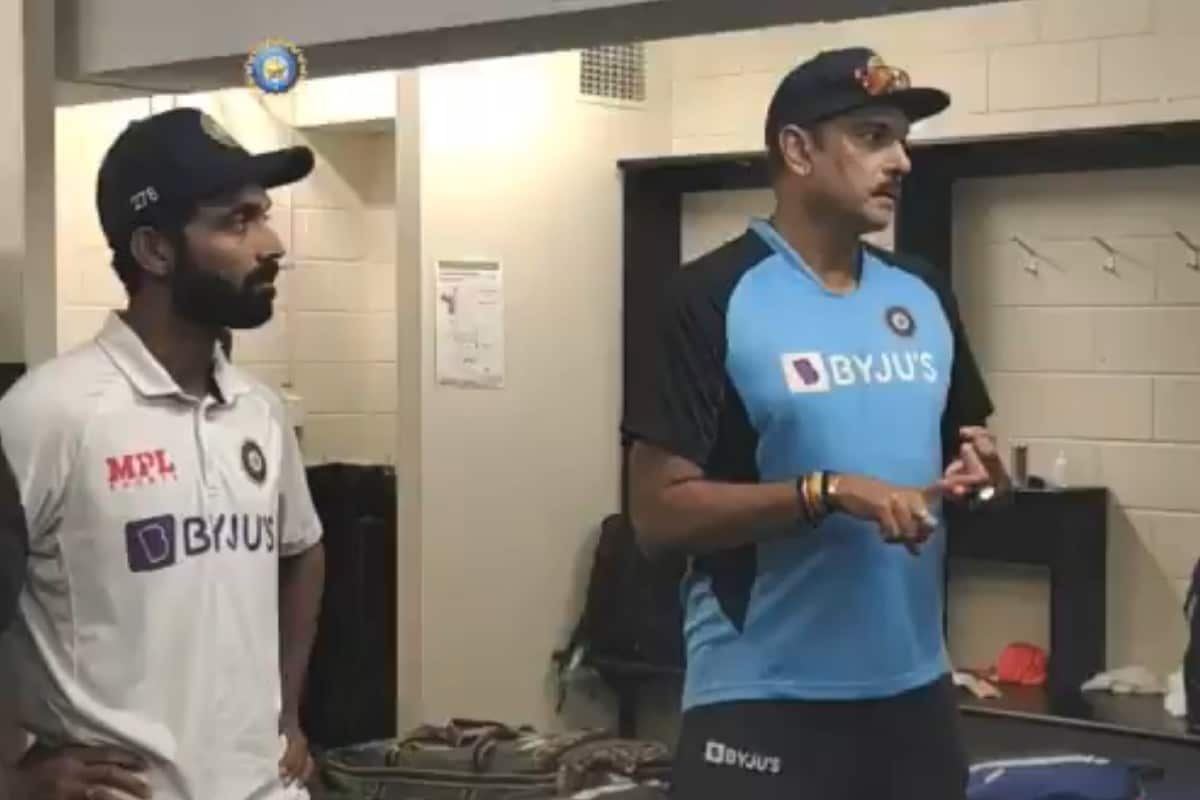 India vs Australia: WATCH - Ravi Shastri Delivers Post-match Dressing Room Speech in Unique Style