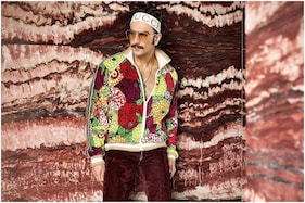 Guldasta Flex: Ranveer Singh Turns Himself Into a Bouquet in Crazy Colourful Outfit