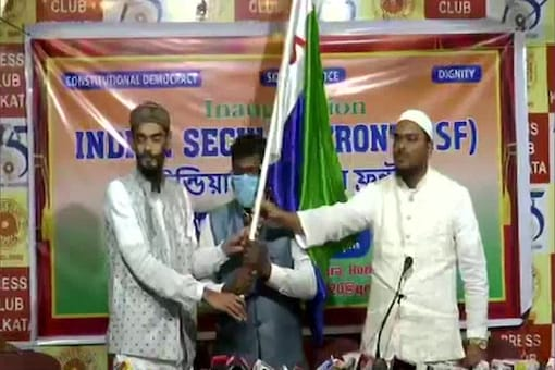 Furfura Sharif cleric Abbas Siddique launches Indian Secular Front (ISF) in Kolkata on Thursday. (ANI).