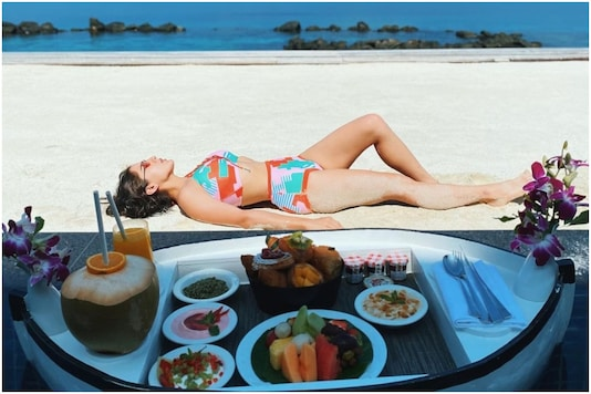 Sara Ali Khan Serves Sizzling Maldives Moment with Floating Breakfast Picture