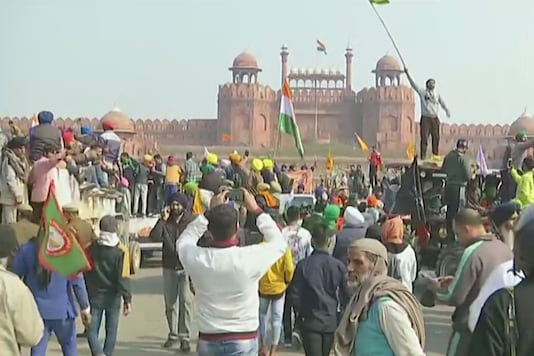 Farmers protest at Red Fort on Republic Day.