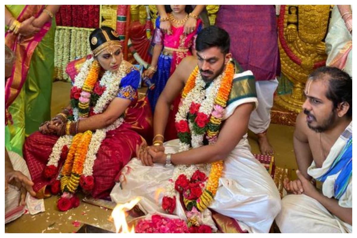 Cricketer Vijay Shankar Marries Vaishali Visweswaran; Sunrisers Hyderabad Shares Picture