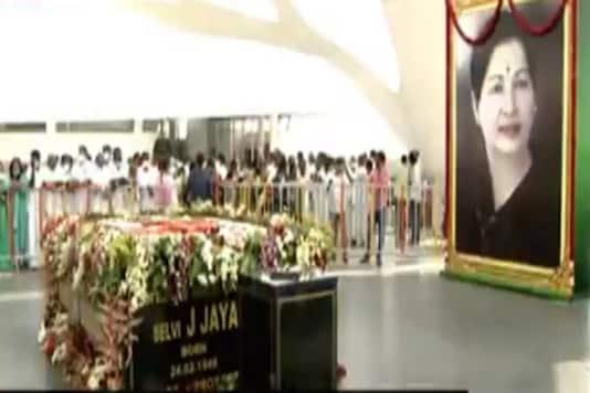 Chennai: Tamil Nadu Chief Minister Edappadi Palanisamy unveils former Chief Minister J Jayalalithaa's memorial at Marina Beach.