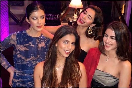 Suhana Khan with friends