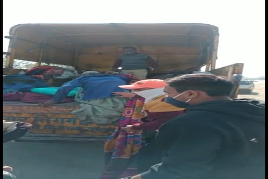 Photo Of Elderly People Being Taken Away By The Indore Municipal Corporation ( News 18)