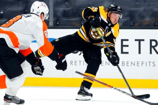 Bergeron, Marchand Score two Apiece, Bruins Beat Flyers six-one