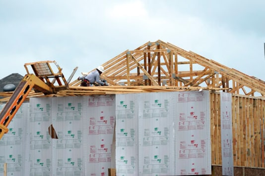US Home Construction Jumps 5.8% In December To 1.67 Million