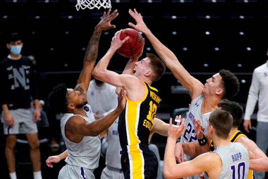 Garza, No. 5 Iowa Roll To 96-73 Victory Over Northwestern