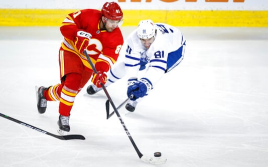Marner's Goal In 3rd Period Lifts Maple Leafs Over Flames