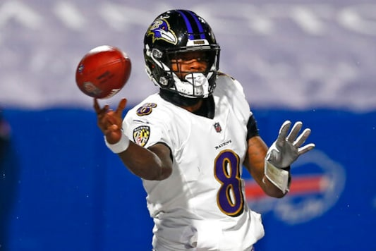 Ravens QB Lamar Jackson Leaves Game With Concussion