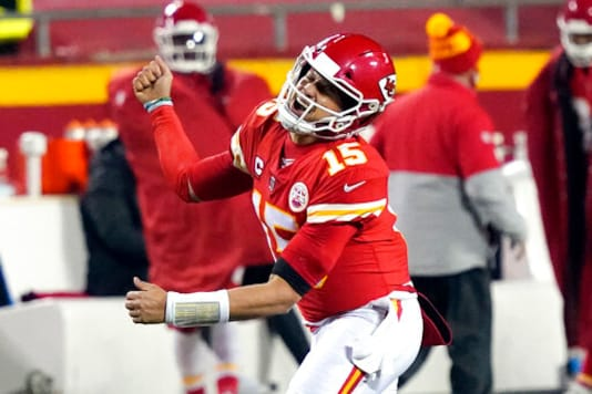 Brady, Mahomes Prepare For 5th Matchup After Splitting 1st 4