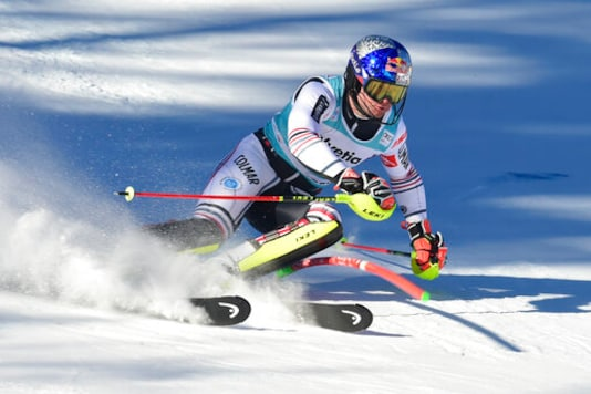 Noël Returns To Form, Leads 1st Run Of World Cup Slalom