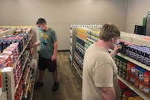 A Student-Run 'Free Grocery' Store is Feeding the Needy in This US Town