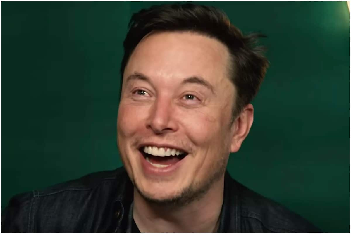 Elon Musk Replies with Eggplant Emoji to Critic, Internet Gives Him a Standing Ovation - News18