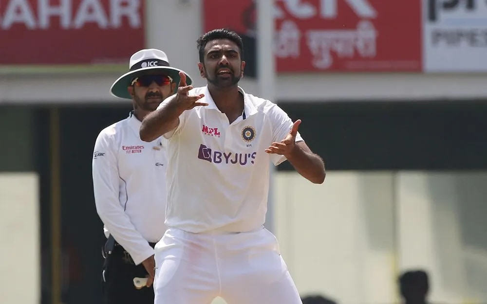 India vs England: WATCH - R Ashwin Does a Facepalm as Rishabh Pant Misses Stumping