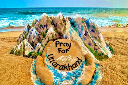 Pattnaik created a sand art to pray for everyone's safety and speedy recovery in the Uttarakhand tragedy. (Credit: Sudarshan Pattnaik/Twitter)