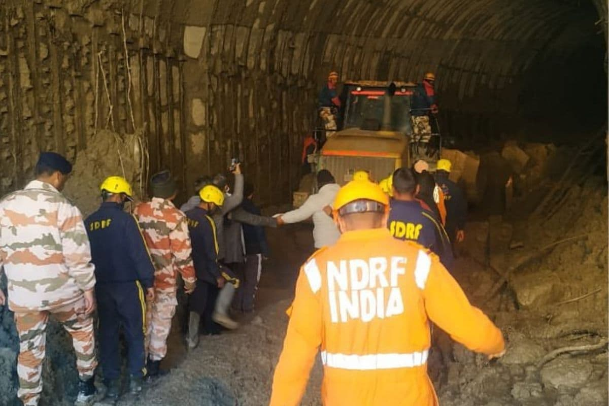 Uttarakhand Tragedy: 2 Cops Among 32 Dead; Boulders Hamper Rescue Mission in Tapovan Tunnel - News18