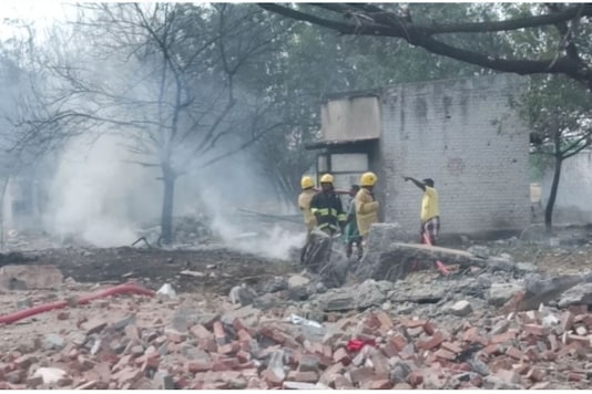 Fire personnel at the scene in Virudhunagar. (News18)