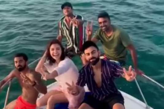 Throwback to When Anushka Sharma, Virat Kohli and Teammates Went Cruising